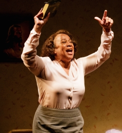 S. EPATHA MERKERSON in While I Yet Live. (c) 2014 James Leynse Primary Stages production of While I Yet Live by Billy Porter, directed by Sheryl Kaller at Primary Stages at The Duke on 42nd Street.