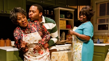 ELAIN GRAHAM, LARRY POWELL and LILLIAS WHITE in While I Yet Live. (c) 2014 James Leynse Primary Stages production of While I Yet Live by Billy Porter, directed by Sheryl Kaller at Primary Stages at The Duke on 42nd Street.