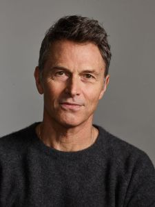 Tim Daly headshot